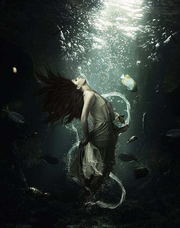 Create An Underwater Beauty In Photoshop